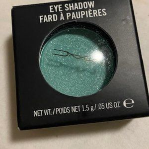 🔴 2 for $25/MAC Eye Shadow in Aquadisiac Lustre